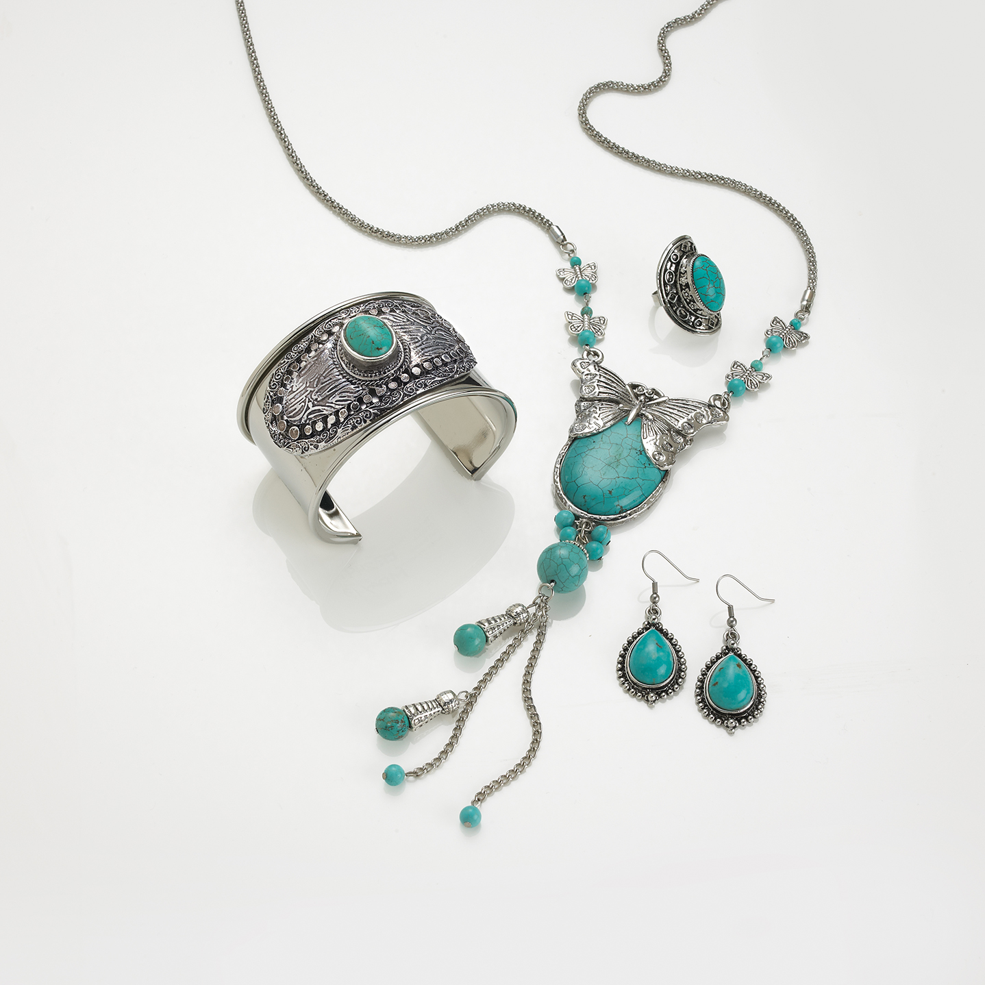 Photography - Jewellery Silver and Turquoise Necklace and Bracelet